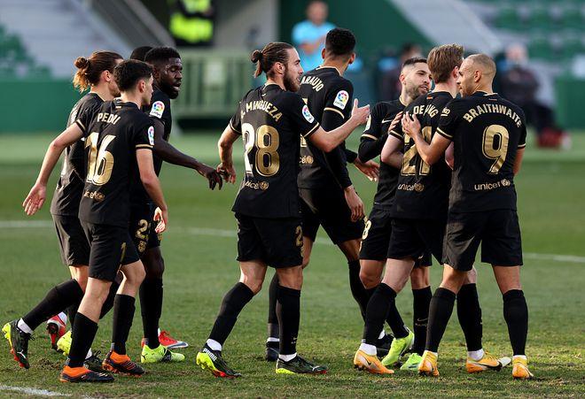 【西甲】梅西停赛,德容爆发传射建功,带领巴萨2-0埃尔切